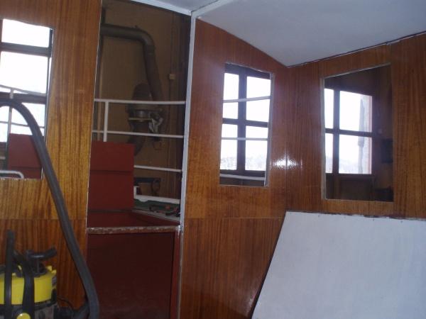 Panelen lackad och monterad